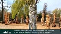 Il sculpte les arbres à la tronçonneuse façon samouraï