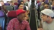 Les chanteurs du spectacle The Lion King chantent The circle of life dans l'avion... Enorme!