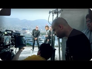 "Wisin y Yandel feat. Jennifer Lopez - ""Follow The Leader"" (Acapulco Fans and Stunt Team)"