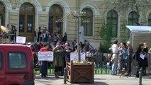 Romania Normala la cap  JOS ASPA, JOS Oprescu, JOS Bancescu, JOS bolsevicii, 4 aprilie, partea a V-a