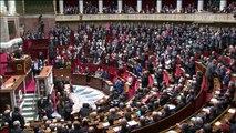 """Valls: en France, il y a """"trop de souffrance"""""""