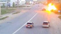 Explosion d'une voiture après un accident en Russie