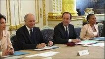 Sondage: François Hollande termine l'année en hausse