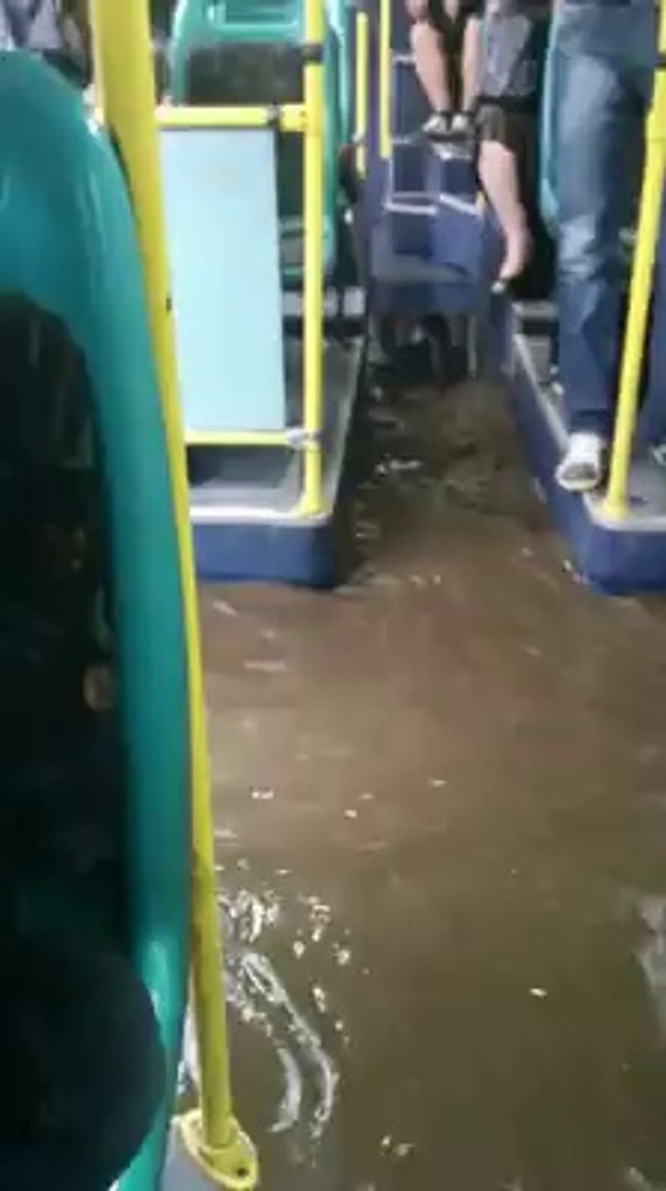 Автобус 45 в дъжда (София - 29.05.2014)