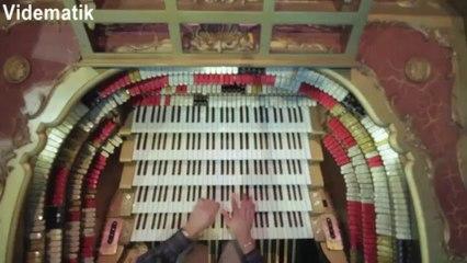 Kilise orguyla Star Wars Symphonic Suite