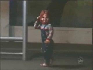 Candid Camera: Chucky la bambola assassina alla fermata dell'autobus