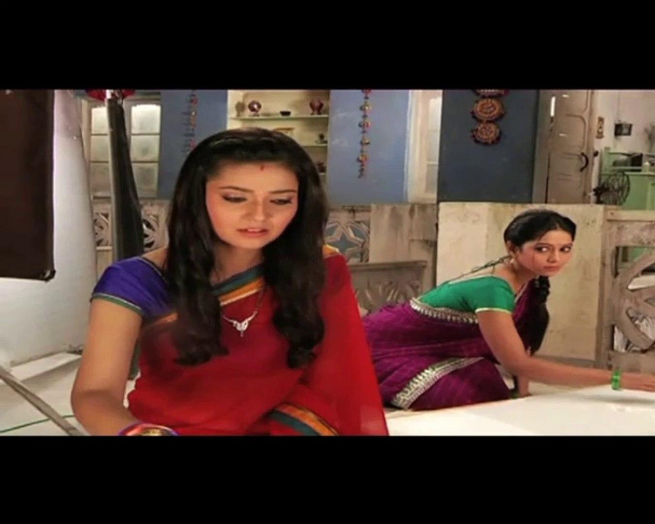 Do Dil Bandhey Ek Dori Se Shivani trains to become housewife