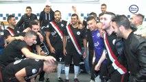 Dans les vestiaires du FC Echirolles Picasso après sa montée en L1 de futsal