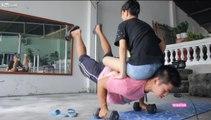 Incroyable : il fait son sport avec sa petite-amie sur le dos !
