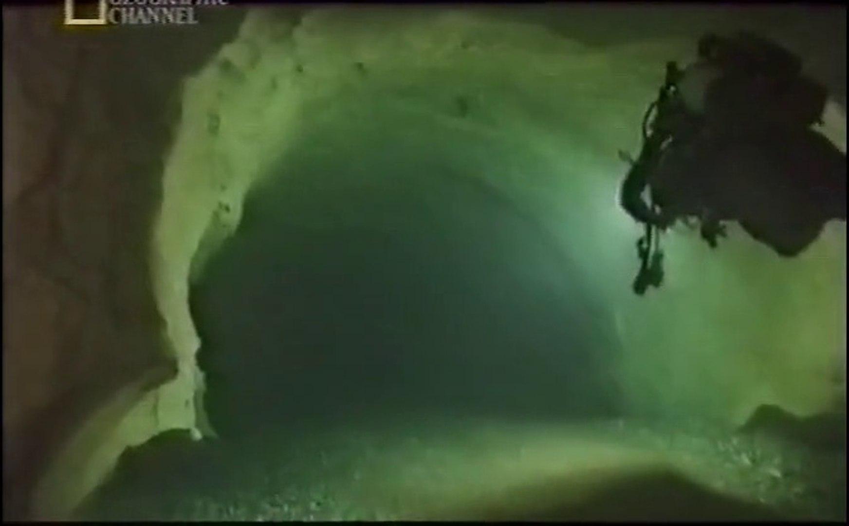 The Secret Underworld (Movile sulphur cave life, Romania) [National  Geographic Adventures]