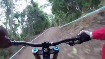 VTT de descente, caméra embarquée! Mountain Bike en mode GoPro!