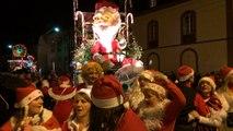 Carnaval des Gais Lurons à Vitré : le défilé nocturne bat son plein