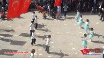 Erdoğmuş Şehit Ramazan Demirci İlkokulu 2-B -Sınıfı Öğrencilerinin 23 Nisan 2014 Ulusal Egemenlik ve Çocuk Bayramında Yaptığı Gösteri