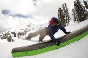 JIB Session with Denis Leontyev - Snowboard