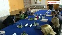 Ashton, Sırbistan'ın AB Katılım Müzakere Sürecinin Uzun Sürmeyeceğini Umduğunu Söyledi