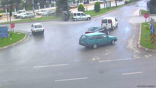 Bolu'da feci kaza mobesa kamerasına böyle yansıdı