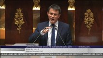 """J'assume ! Oui j'assume !"" Manuel Valls défend son pacte de stabilité."