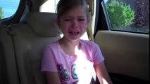 Ablasının Ağlamasına Anlam Veremeyen Kız