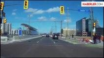 Toronto'ya Düşen Meteor Kameraya Takıldı