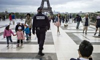 Chinese police to help France protect tourists in Paris