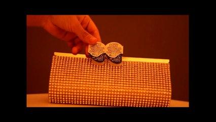 what is inside my clutch _ ايش داخل حقيبة السهرات