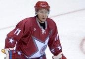 Vladimir Poutine fait du hockey sur glace - ZAPPING ACTU DU 12/05/2014