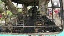 30 niños y un adulto muertos en Colombia en el incendio de un viejo autobús