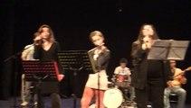 Here comes your man de Pixies chante Marcela Torres & Natacha Zervas - filmé par Margaux Lys Hornet- La main de l'Art