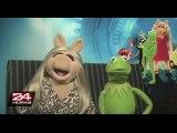 VIDEO: periodista consigue saludos de diversas celebridades para su prometida