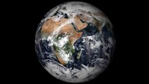 Terra in colori reali. Ogni giorno, la Terra cambia. Alcune modifiche, come le nuvole, sono evidenti Earth in True Color. Each day, Earth changes. Some changes, like clouds, are noticeable WWW.GOODNEWS.WS