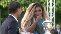 Rafael Nadal et Serena Williams au pied de la tour Eiffel