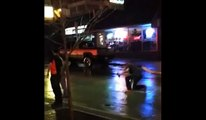 Guy ivre Non Fighting Back - Un combat verso rue