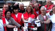 Adriana karembeu lance à Vincennes la quête nationale de la Croix Rouge