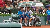 Roland-Garros : Djokovic invite un ramasseur de balles à partager son parapluie