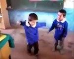 Mahmut Tuncer'in Kayıp Çocuğu Halay çekiyor :)))))