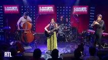 Natalia Doco interprète « Pez y mismo » en live dans le Grand Studio RTL présenté par Eric Jean-Jean.