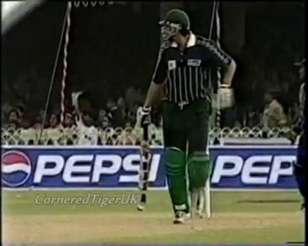 Wasim Akram 79 Vs Sri Lanka 1999 - YouTube