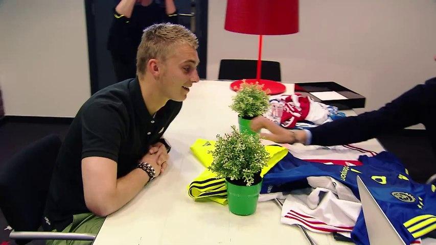Ajax Amsterdam - Insolite : Adidas monte un canular à Franck De Boer et ses joueurs (vidéo)