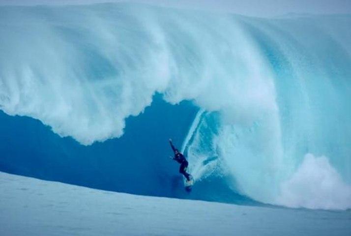 Best Of The Week #62: Big Waves, Surf, BMX, Snow, Skydive, Skate, Windsurf, MTB, Wake, MX Enduro, Snowmobile