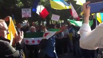 Акция протеста против визита В.Путина во Францию