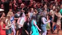 L'orchestre de Seattle reprend un titre de RAP avec Sir Mix-A-Lot : Baby Got Back