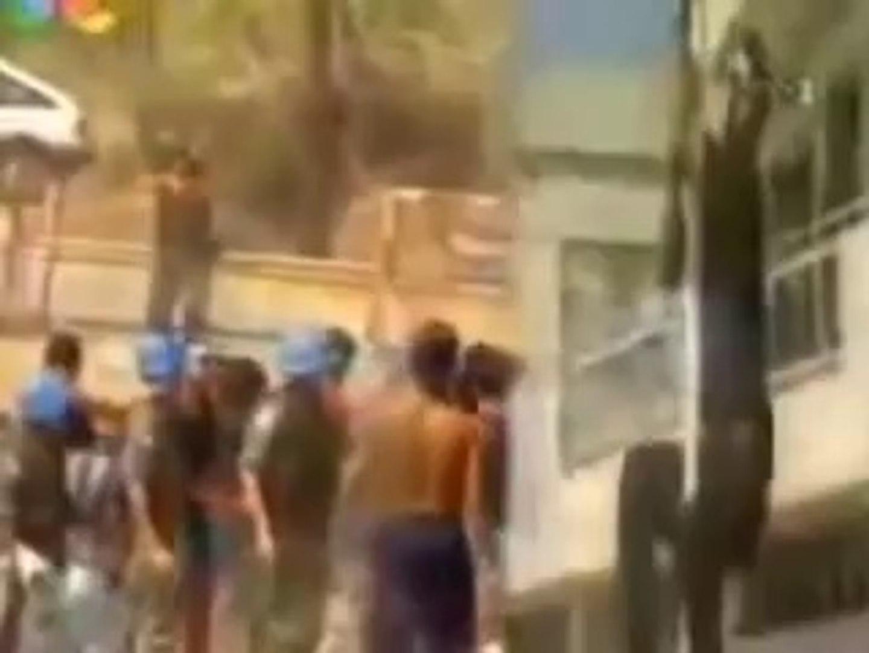 KKTC'de Türk Bayrağını İndirmeye Çalışan Rum'un Vurulma Anı - Dailymotion  Video