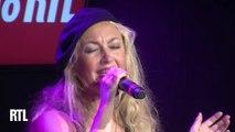 """Christelle Chollet chante """"la dame pipi"""" dans le Grand Studio RTL Humour"""