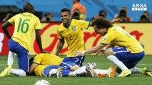 Neymar e arbitro spingono il Brasile