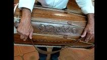 Salernes LEIS AMBOULIGO ROUJO Exposition & Conférence en Provençal de CLAUDE HAUSER démonstrations d' instruments de musique provencaux anciens et contemporains le 14 Juin 2014 LEIS AMBOULIGO ROUJO Président : MAURICE EMPHOUX à Salernes Dracénie Var