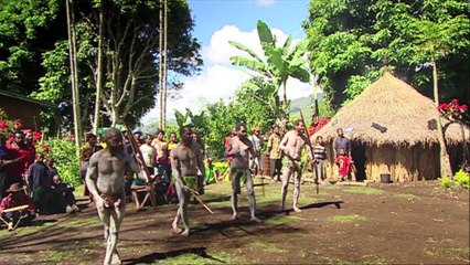 Papua New Guinea's Mud Men - Darts