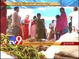 Brokers vs Farmers in Erragadda Rythu Bazar