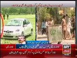 PML N Dual Face EXPOSED -- Punjab Police launched operation to remove barriers from Tahir Qadris House but there are still barriers outside Sharif Brothersresidence in Model Town