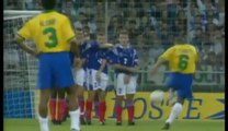 Roberto Carlos vs Physics Roberto (Carlos scored this free kick 17 years ago today. Was it one of the best ever?)