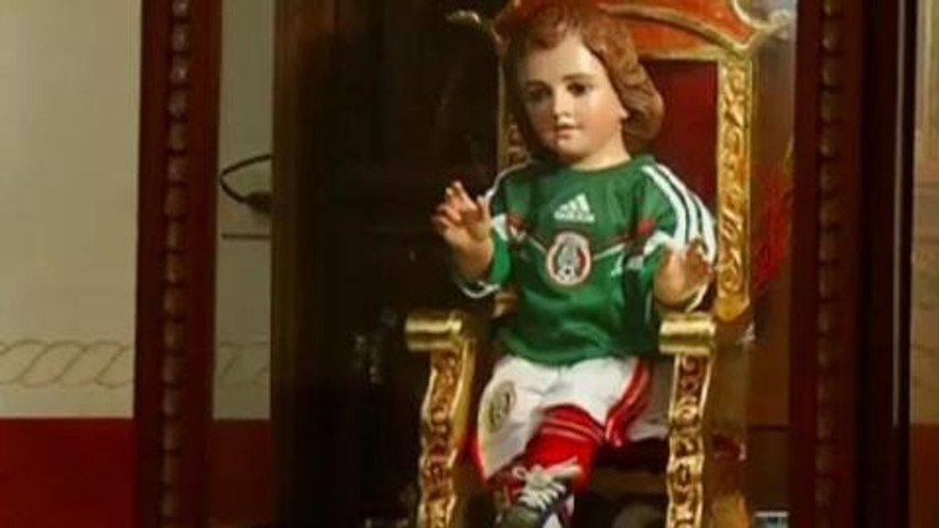 Mexicans combine football fervour with faith